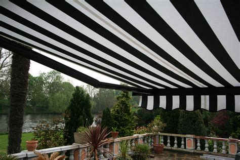 black and white awning 012 kover it