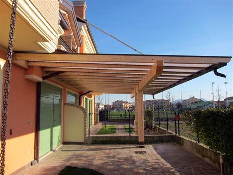 pendenza tettoia in legno pergolato in legno con tetto a sbalzo polyclassc clp117