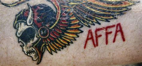Hells Angels Motorrad Kennzeichen by Kennzeichenverbot Auch F 252 R Tattoos Der Hells Angels
