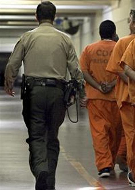 Correctional Officer Salary In Ca by How To Gain Employment As A Correctional Officer In