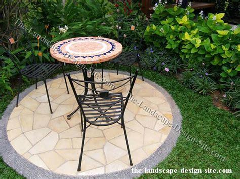 Small Garden Patios by 26 Small Decorative Concrete Patio Landscaping Ideas