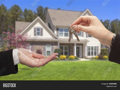house and key real estate how big is your house real estate home autos post