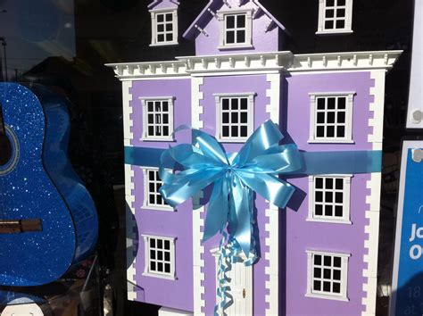 sue ryder dolls house sue ryder charity shop kidlington opening oxford
