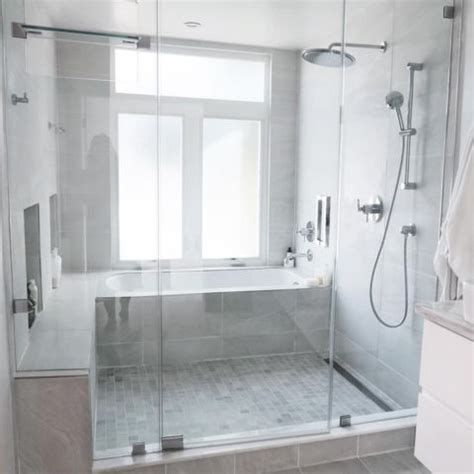 bathtub and shower combinations best 25 tub shower combo ideas on pinterest bathtub