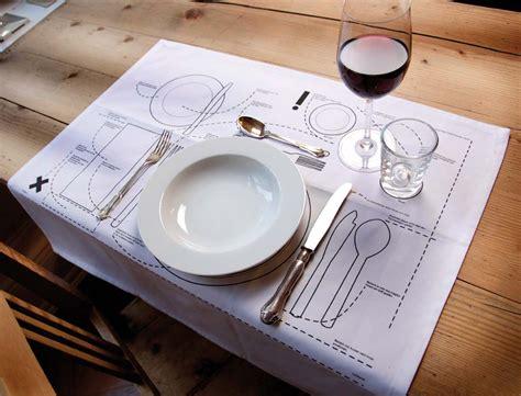 bon ton tavola bon ton a tavola le regole in una tovaglietta design miss