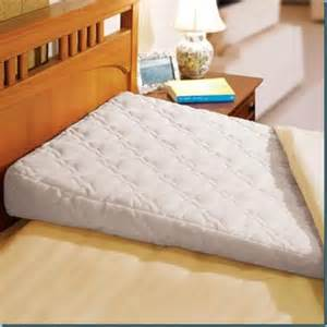 king size bed wedge pillow bed wedge 7 foam wedge pillow good for acid reflux snoring