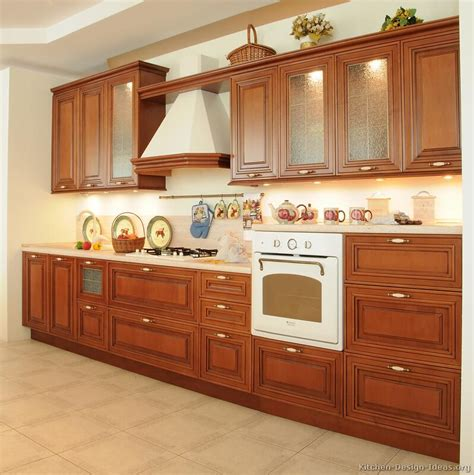Kitchen With Wood Cabinets Pictures Of Kitchens Traditional Medium Wood Kitchens Cherry Color