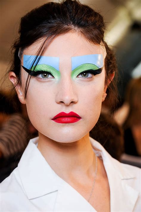 scow up dior fashion show make up thefashionfraction