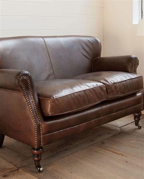 mobilia divani divano 2 posti in pelle vintage con rotelle mobilia