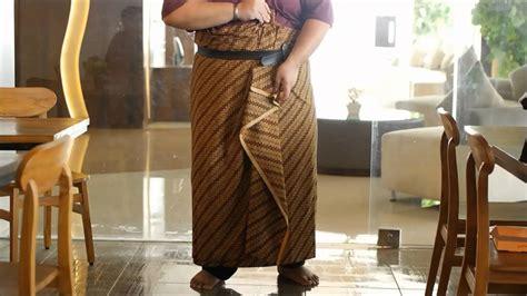 tutorial kain batik paola tambunan tutorial mengenakan kain batik untuk pria 2 youtube