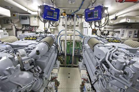 boat engine making clicking sound 2007 debirs de birs 85 pilothouse zero speed stabilizers