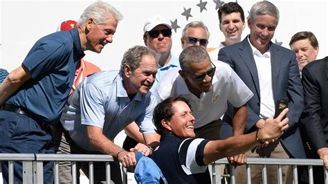 phil obama phil mickelson takes selfie with presidents obama clinton