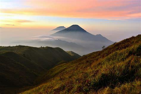 wallpaper awan terindah image gallery pemandangan gunung