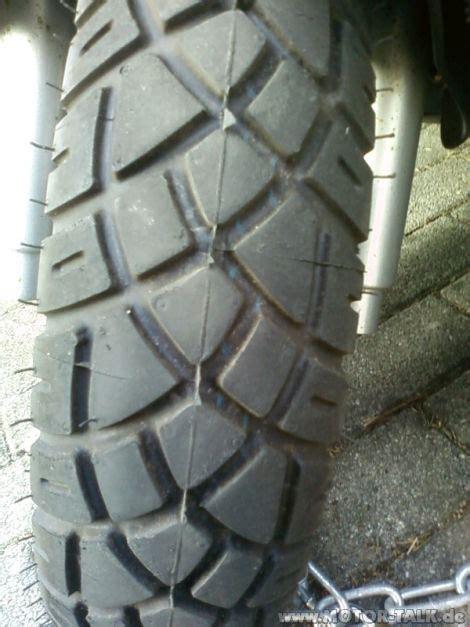 Motorrad Reifen Laufrichtung by Laufrichtung Bei Reifen Motorroller