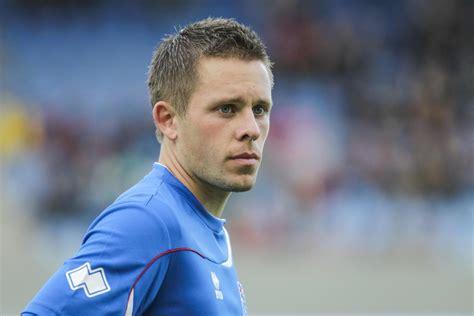 footballer gylfi sigurdsson joins swansea city