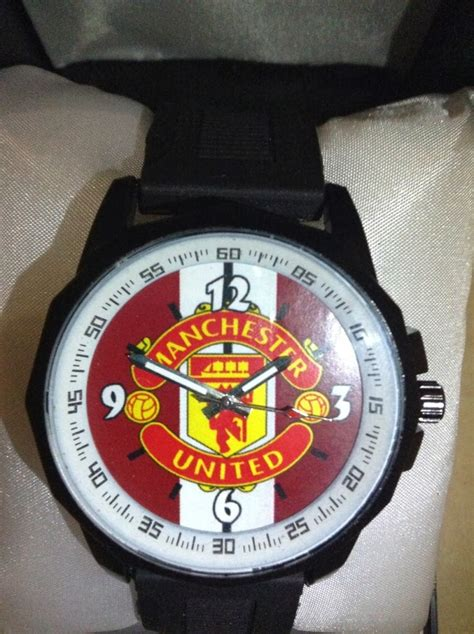 Jam Tangan Custom Manchester United H Murah Meriah colo coldit jam tangan custom murah jam tangan custom desain sepak bola murah bisa custom