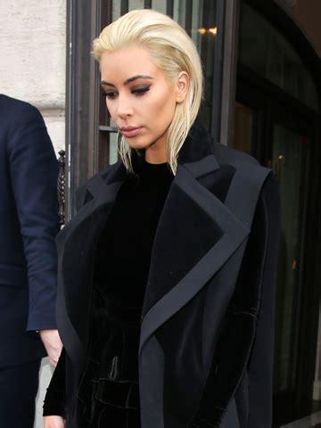 khloe kardashian dyes hair blonde photos style news no way has kim kardashian dyed her hair blonde to copy