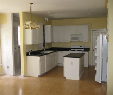 what color granite with white cabinets and dark wood floors small white kitchen with island what color granite with