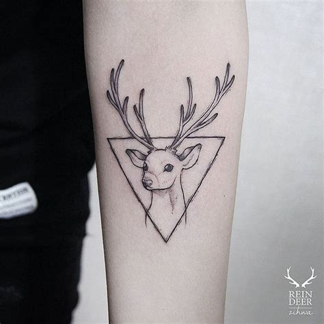 small deer tattoo 25 best ideas about deer on larry
