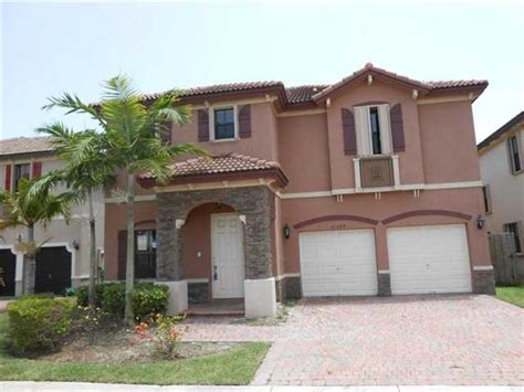 Homes For Sale In Homestead Fl by 33032 Houses For Sale 33032 Foreclosures Search For Reo