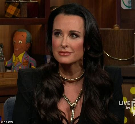 what does kyle richards do to make her hair look thicker kyle richards backtracks on watch what happens live over