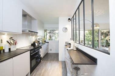 Snack Grange Blanche by Cuisine En Longueur Moderne Avec Plan De Travail 233 Troit