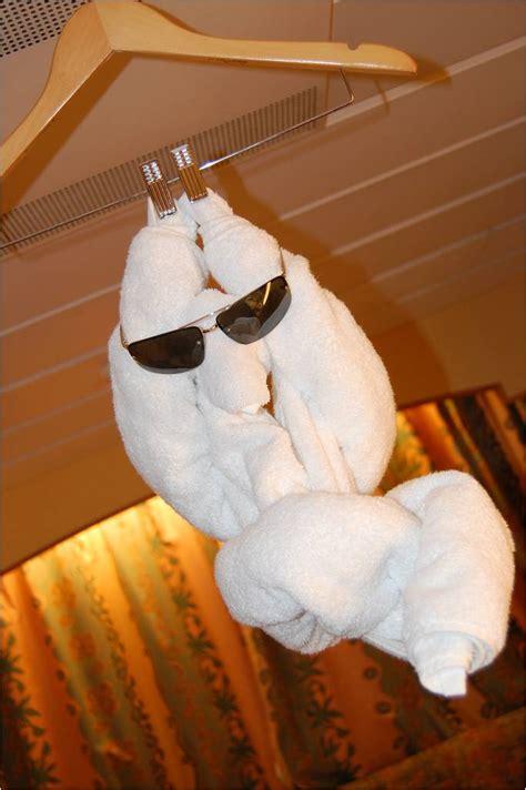 cruise ship towel animals    high seas kuriositas