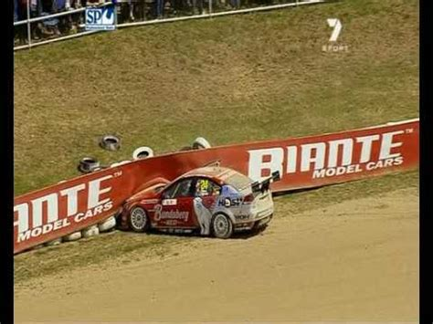 V8 Supercars : David Reynolds Crashes (Bathurst 2009