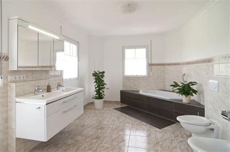 half bad design ideen badezimmer ideen neue ideen f 252 r ein modernes bad
