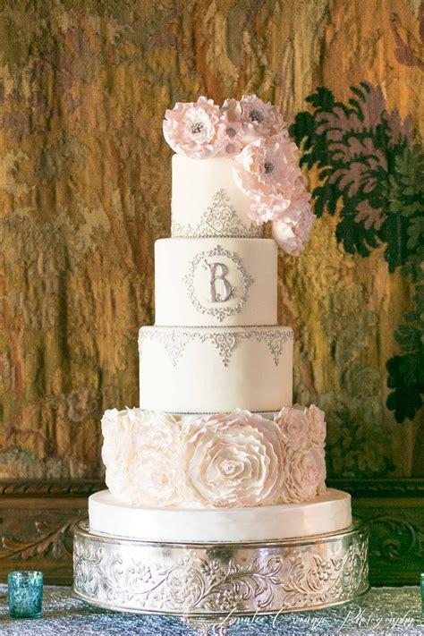Daily Wedding Cake Inspiration (New!)   MODwedding