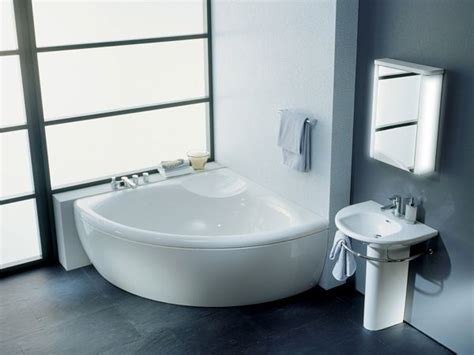 small corner bathtub small corner bathtub dimensions small corner tubs