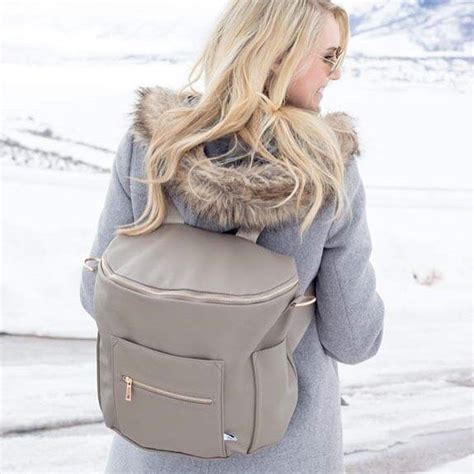 Sheryl Doesnt Wipe Well by Best 25 Stylish Bags Ideas On Backpack