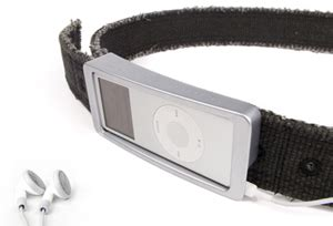 Ipod Nano Belt Buckle by Tunebuckle Stylish Ipod Holding Belt Buckle Gadizmo