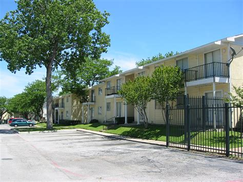 low income apartments in dallas tx low income housing near 75212