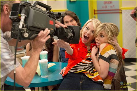 emma stone icarly emma stone on icarly first look photo 502400