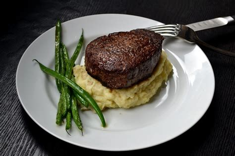 filet mignon menu hardly housewives how to make the perfect filet mignon