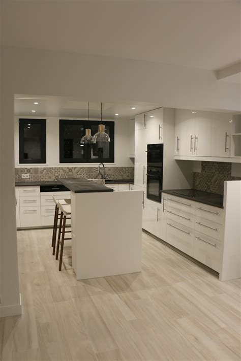 cuisine effet beton cuisine blanche plan de travail gris effet b 233 ton sol