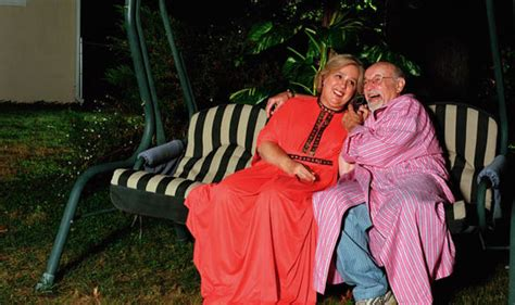 swinge stories crusader couple gets their much needed swing chair