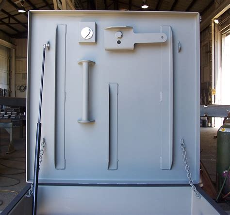 Blast Door by Blast Resistant Hatch With Integrated Riser For