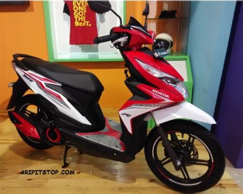 Rubber Step Floor Honda Beat Pop Karpet Genuine Part Asli Resmi aripitstop 187 intip accesories all new honda beat setelah terpasang di motor