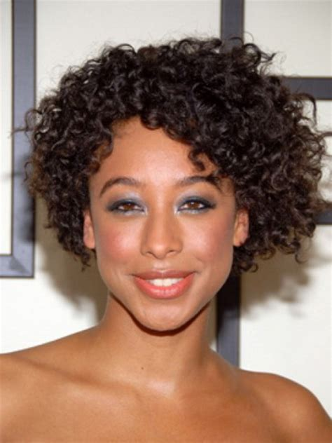 thick short curly hairstyles