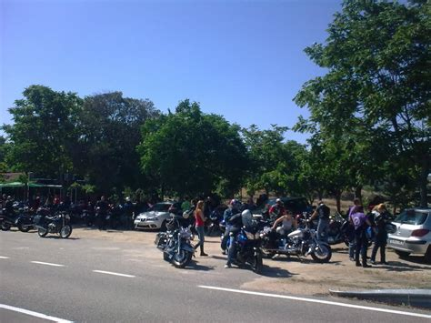 san juan coria pe 241 a motera esperando moto pancetada ruta san juan coria