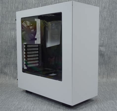 Nzxt S340 White the exterior of the nzxt s340 the nzxt s340 review