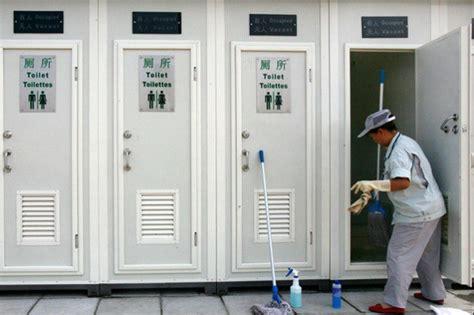app bagni pubblici i nuovi bagni pubblici unisex a shangai per ridurre le