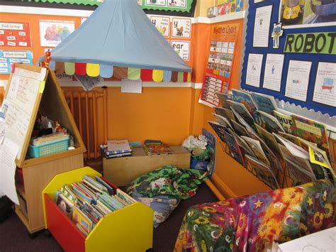 Key Stage 1 North Primary School And Nursery Reading Area