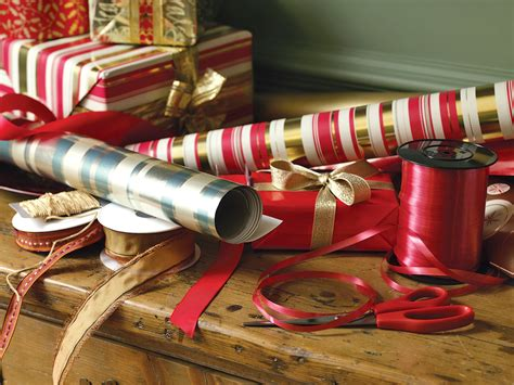 wrapping gifts volunteer groups raise funds while helping hawaii army