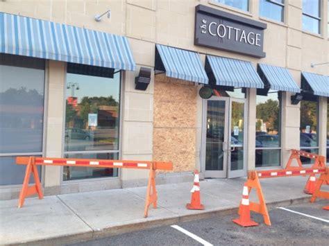 Cottage Restaurant Wellesley by Car Crashes Into The Cottage Restaurant In Wellesley The