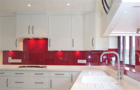red and white kitchen backsplash quotes stakleni zidni paneli za kuhinje
