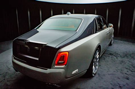 roll royce car 2018 2018 rolls royce phantom first look motor trend