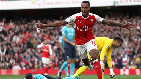 arsenal vs match report arsenal 3 2 swansea 15 oct 2016